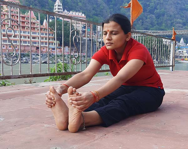 yoga-retreat-in-rishikesh-at-spiritual-retreat